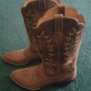 Ariat ladies leather cowboy boots